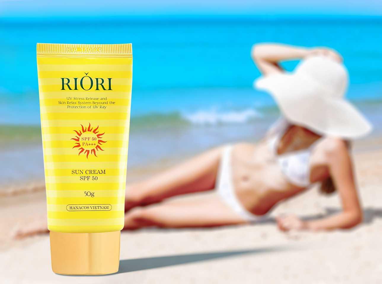 Với ưu điểm giữ trên da lâu nên kem chống nắng Riori Sun Cream rất thích hợp đi biển hay đi bơi