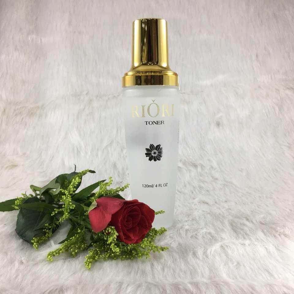 Nước hoa hồng trị mụn Riori Toner