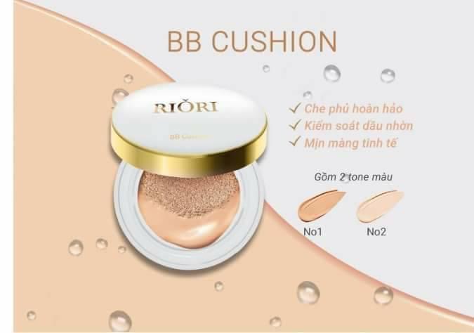 2 Tone màu của phấn nước che khuyết điểm Riori BB Cushion cho da tự nhiên, trắng sáng